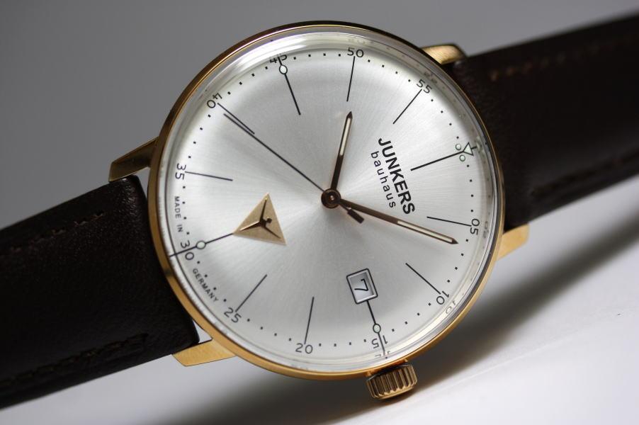 生産終了!シンプルなデザイン!ドイツ製Junkers【ユンカース】Bauhaus【バウハウス】クォーツ腕時計/デザインウォッチ/ローズゴールド