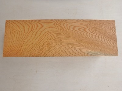 欅 ケヤキ 角材 無垢 目詰み 彫刻材 【送料無料】