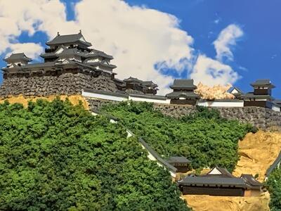 (お得な特別割引価格) 伊予松山城 B5サイズ 日本100名城 現存天守 日本の城 お城のジオラマ模型 プラモデル 城郭模型, カントリー雑貨コットンバニー 71f9bb69