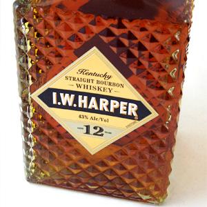 I... W... Harper 12 years 750 ml 43 degrees with genuine Bourbon whiskey kawahc