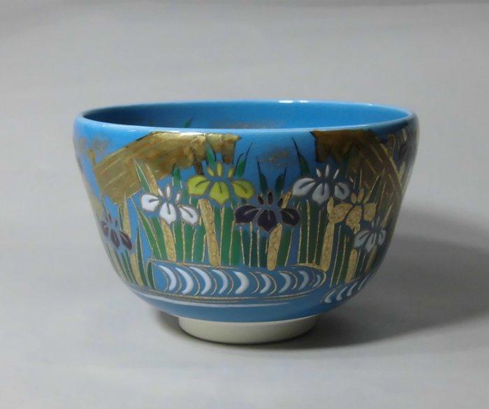 茶碗 青釉花菖蒲