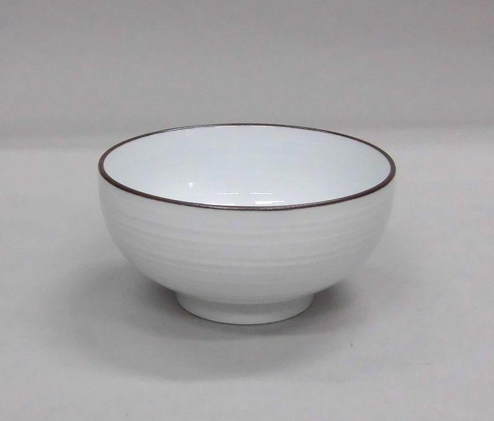 セットアップ 有田焼 白磁千段おかゆ碗 白山陶器 モデル着用 注目アイテム