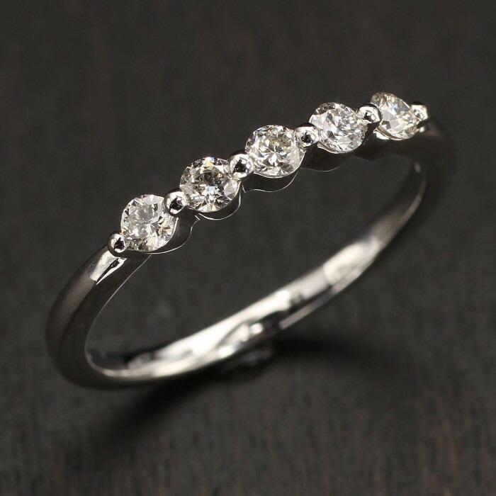《送料無料!》 Pt プラチナ リング バゲットカットダイヤモンド 2.11ct一文字