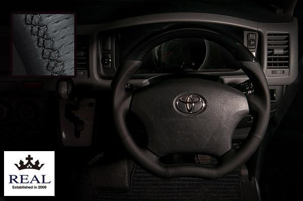 【 アルファード ANH10W, MNH10W, ANH15W, MNH15W用 】 レアル ステアリング オリジナルシリーズ (ピアノブラック / ブラック ユーロステッチ) 品番: H200-PBW-BK (REAL Steering 純正交換タイプ)