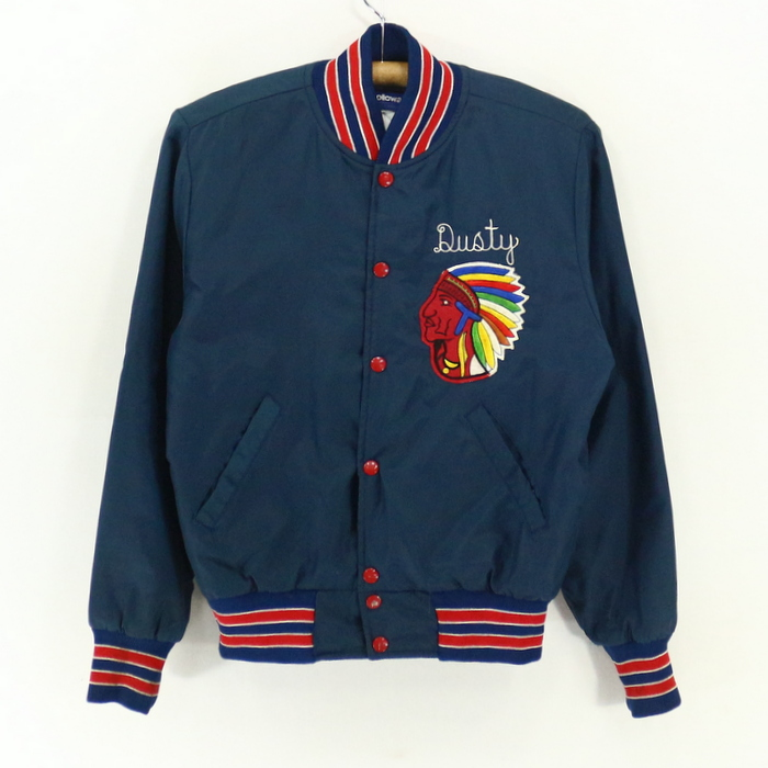 90sOLDナイロンスタジャン 90's1990年代アメリカ古着アメカジ古着メンズ古着ユーズドSサイズネイビーナイロンジャケットインディアンUSA製アメリカ製 プレゼント ギフト 衣装EH2YWDI9