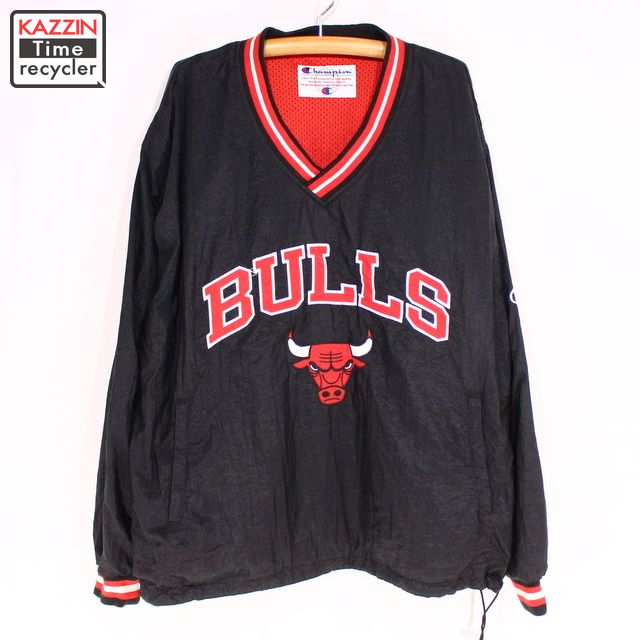 low priced 6e17f 2ef11 Old clothes 90s Champion NBA Chicago Bulls reversible nylon pullover ★ XL  size black red Christmas present gift