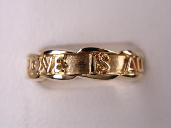 送料無料 ポージーリング-- LOVE IS ALL-- 18金 メッセージリング