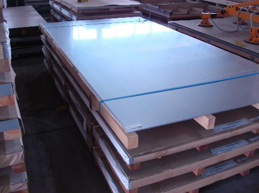 *ステンレス板 SUS304 2B研磨仕上げ 3.0mmx1000mmx2000mm 片面保護ビニールあり 47.6kg/枚 金属板