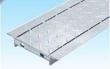グレーチング縞鋼板付U字側溝240mm用形式記号WUCH-X14-24 230×302×995×532重量15.3kg