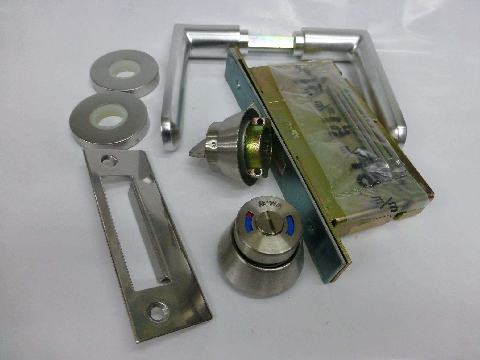 MIWAレバー錠LA33-8  51mm 33~42mm トイレ用