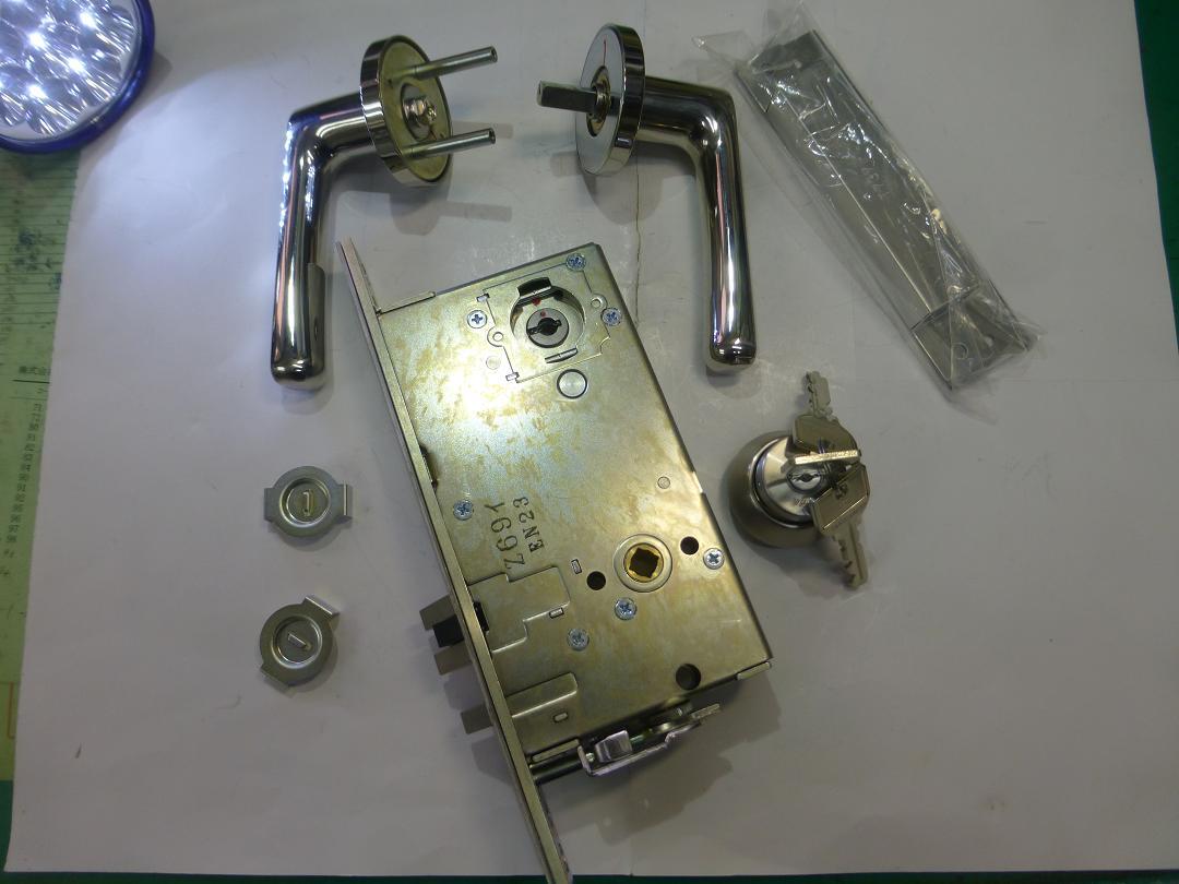 U96LTHA53-2A 高級レバーハンドル錠B/S64mm 33~42mm