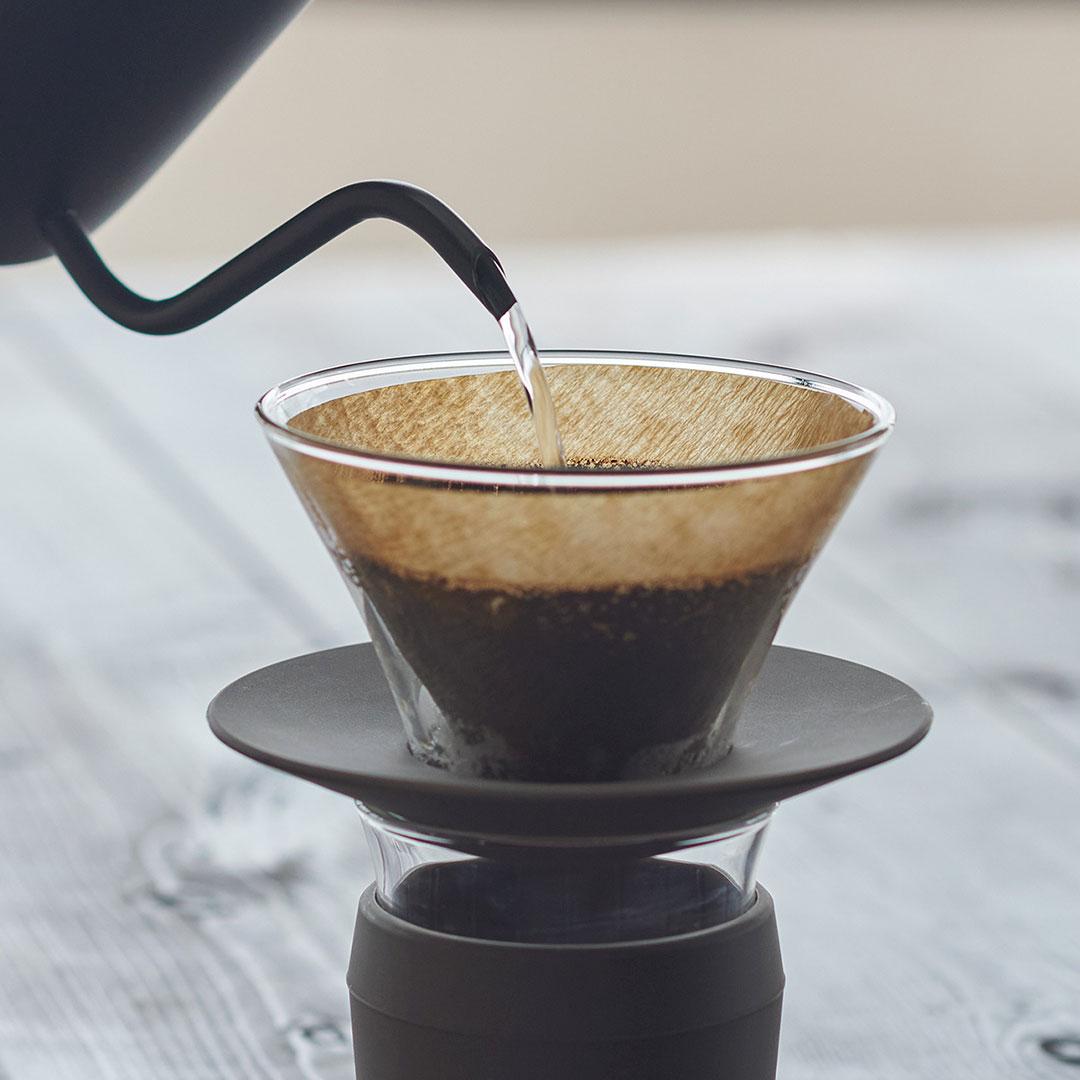 コーヒーを淹れる時間を特別なモノに。 【KEYUCA公式店】ケユカ Glaco ガラスドリッパー S [コーヒードリッパー コーヒー用品 ガラス ホルダー付き 無地 シンプル おしゃれ クリアカラー ギフト 通販 ]
