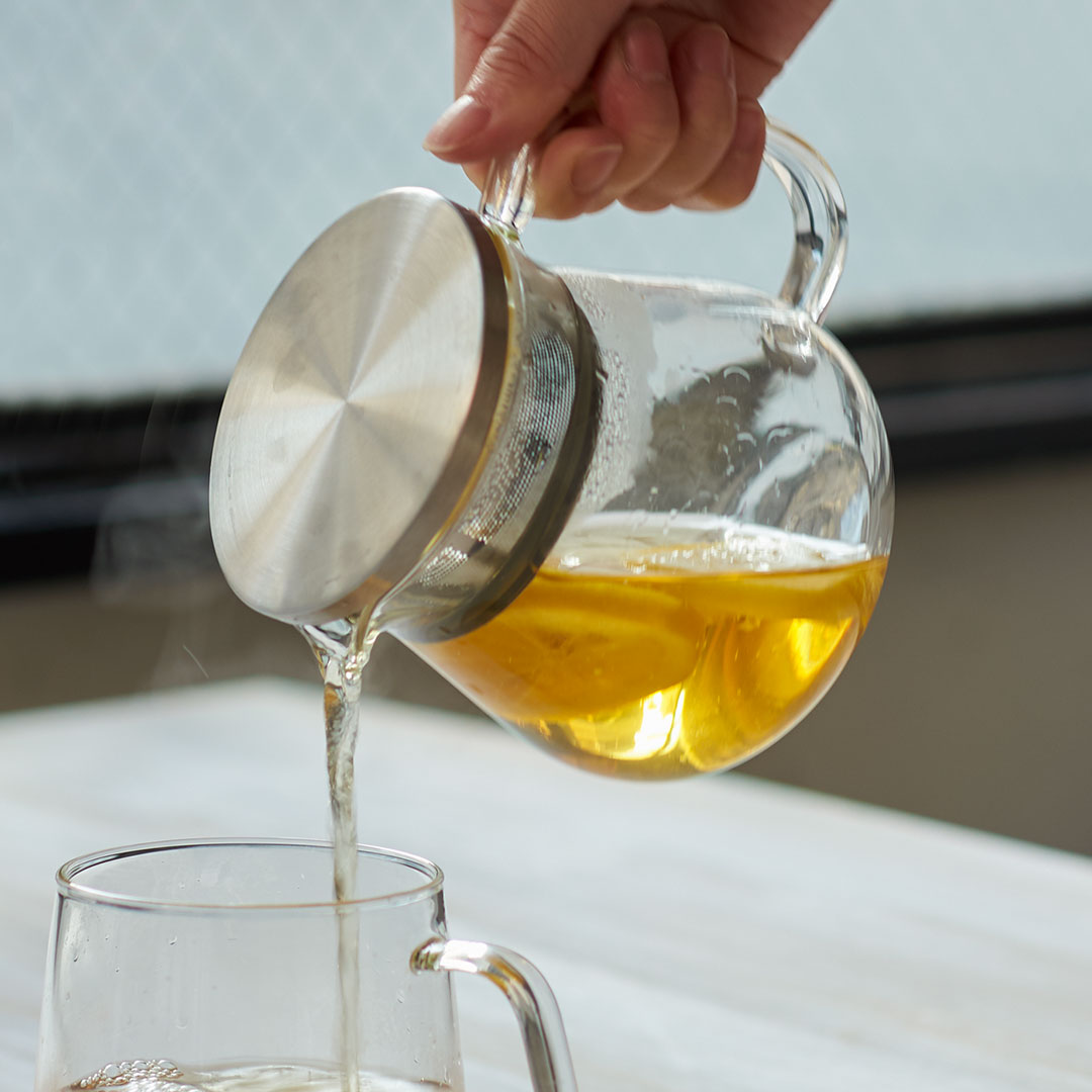 茶葉がジャンピングしやすい形状の 茶漉し付ガラスポット KEYUCA公式店 ケユカ neotto III 耐熱ガラスポット S ティーポット 耐熱ガラス ガラスピッチャー サーバー 耐熱ポット 茶こし付き おしゃれ ガラス 100%品質保証 急須 デザイン プレゼント 透明 結婚祝い シンプル 食洗機対応 新生活 バーゲンセール ポット かわいい 引越し祝い ガラスポット 紅茶