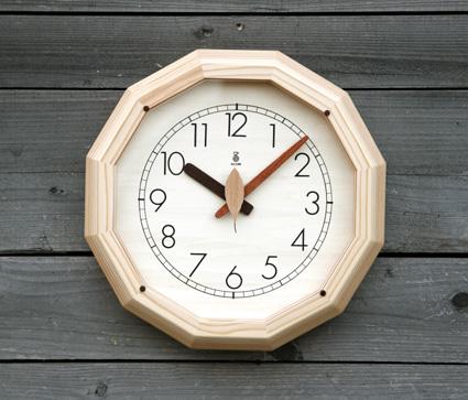 「キコリの時計」 木の電波時計 【森の電葉時計 (12角形)】