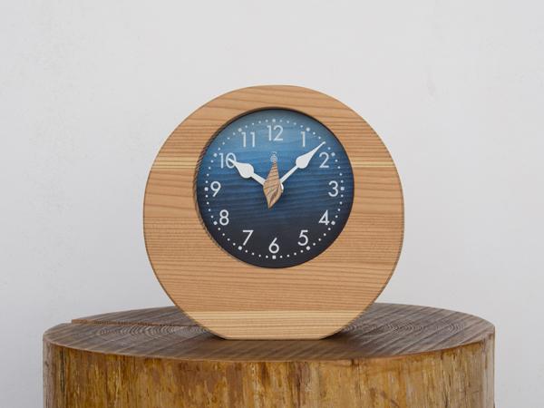 「キコリの時計」 木の時計 【海の置時計】