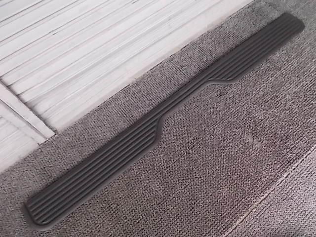 【中古】★激安!★1994年~2003年 クライスラー ダッジ ラム 純正 ノーマル リアバンパー ステップカバー 55076396 / 3J2-252