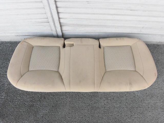 210323ih 【中古】★激安!★2012年 クライスラー 300 純正 ノーマル リアシート 座面 後部座席 ベージュ / 3J2-453
