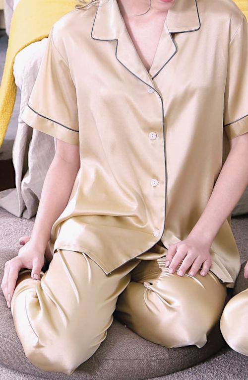 19匁シルク100%パジャマ 半袖(金色)【無地】 絹100% レディース llゴールド【送料無料】母の日 敬老の日 プレゼント ギフト【smtb-KD】【楽ギフ_包装選択】あす楽対応紳士用と合わせてペアパジャマに