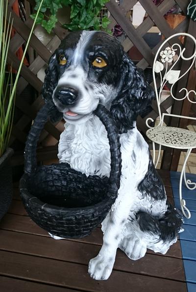 【今だけ送料無料】【入荷いたしました♪】ワンズバスケットB 11310ガーデニング雑貨/オブジェ/置物ガーデニング オーナメントかわいい犬の置物かわいいワンちゃん♪
