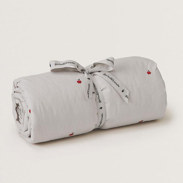 garbo&friends ガルボアンドフレンズ 中綿入り刺繍ブランケット Apple Filled Blanket タオルケット あったか 暖かい ベビー雑貨 赤ちゃん MILK お祝い ギフト ベビー キッズ 子供服