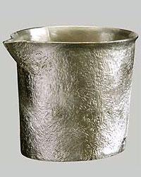 気品と温もりが際立つ錫の燗器「大阪錫器 片口 こはま(小) 桐箱入り」