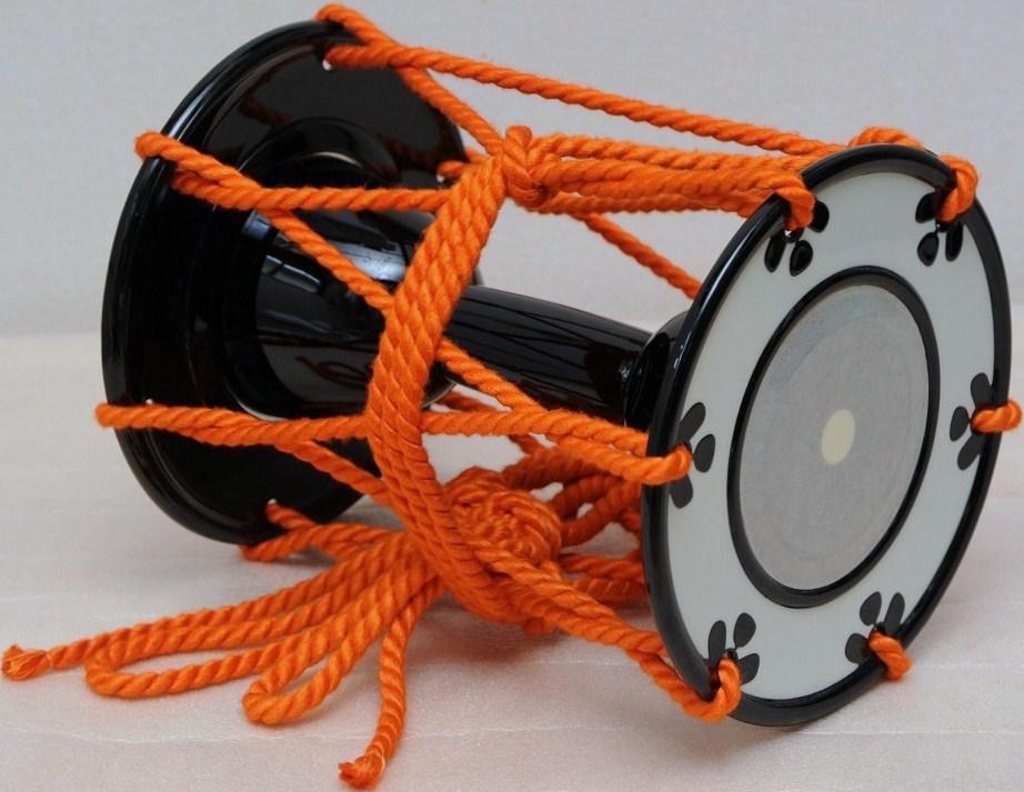 小鼓 屋外でも使用しやすい合成皮製 良く鳴ります ケース別売