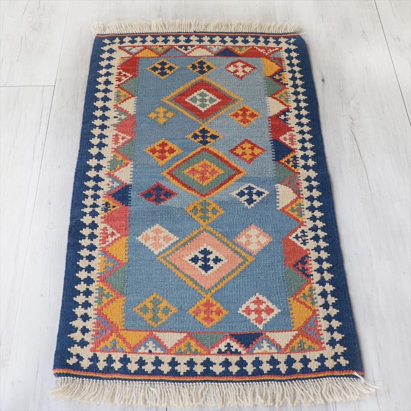 シラーズ・カシュカイ族の手織りキリム 玄関マットサイズ80×44cmひし形のモチーフ