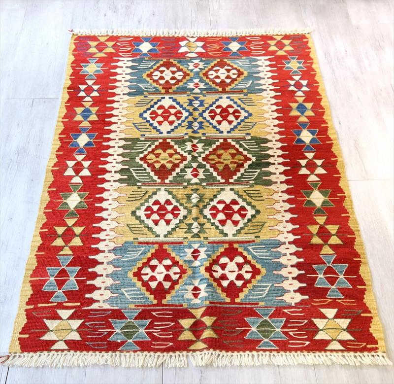 トルコ手織りキリム・ウシャク セッジャーデ170×116cm狼の足跡
