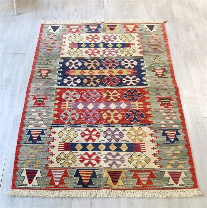 トルコ手織りキリム・ウシャク セッジャーデ171×118cm狼の口のモチーフ