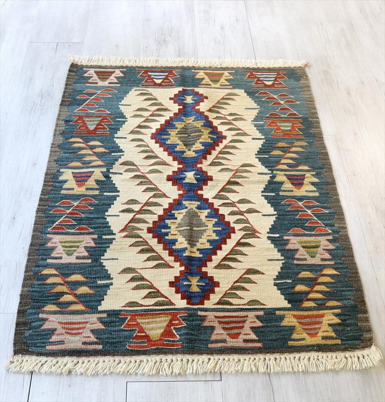トルコ手織りキリム・ウシャク チェイレキ119×92cmダイヤのモチーフ