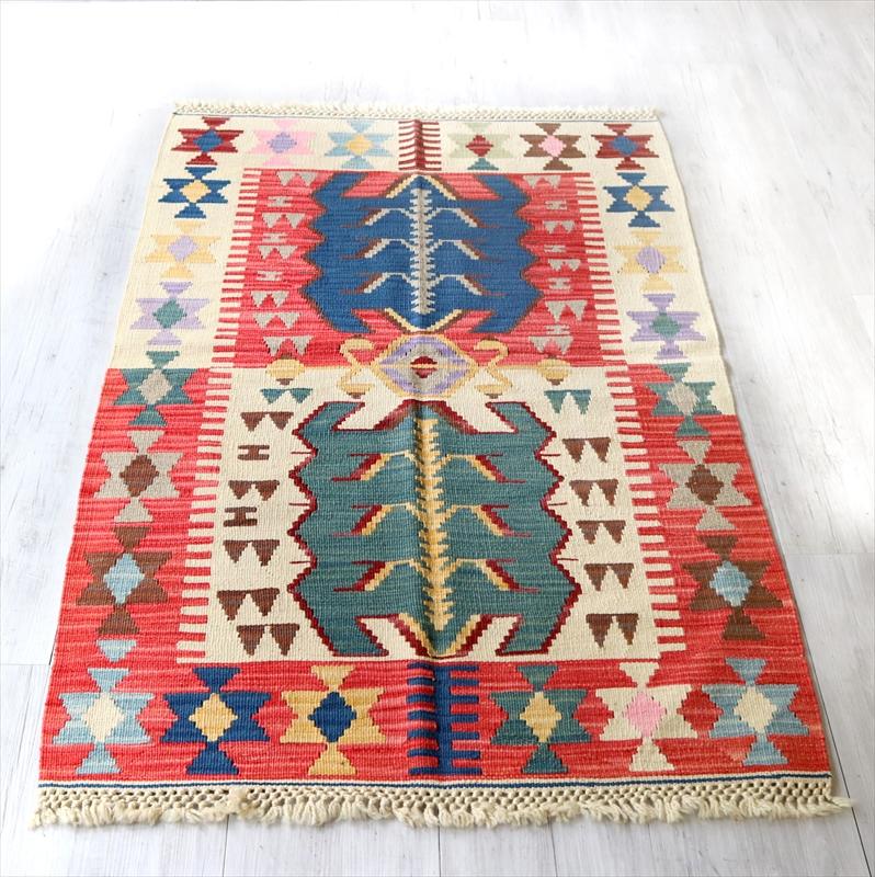 色にこだわるワンランク上のカイセリキリム・チェイレキ133×90cmレッド ベージュ