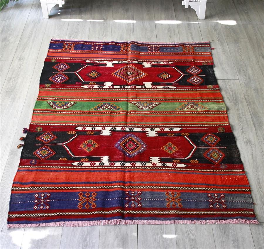 オールドキリム・シワスセッヂャーデサイズ171×124cm二つの赤いサンドゥック