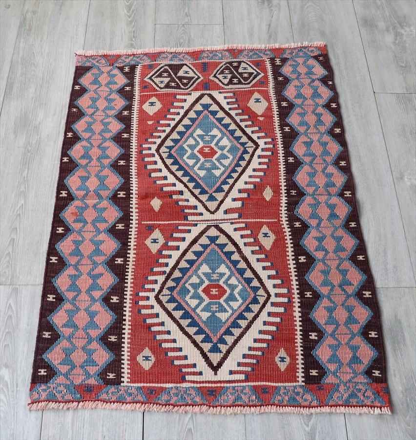 ワン地方の手織りキリム・チェイレキ97×66cm2つのひし形メダリオン