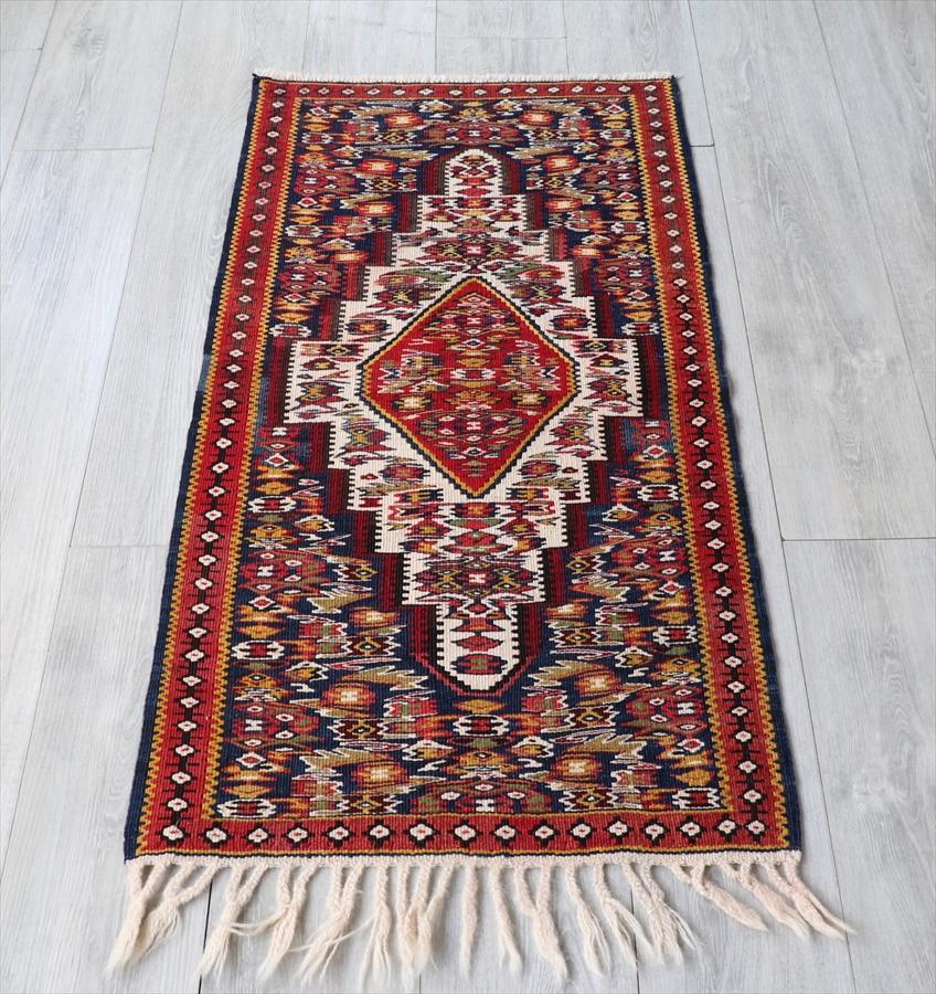 セネキリム ペルシャキリム ヤストゥクサイズ113×60cm曲線で描かれた花束 レッド&ネイビー