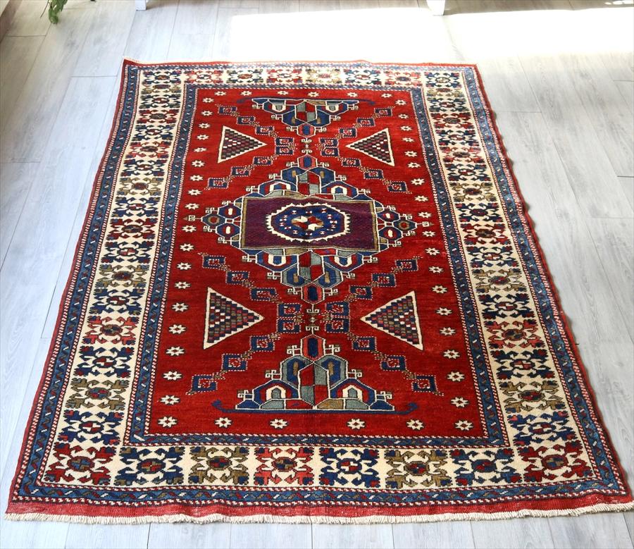 オールドカーペット・エリアラグ /カリヨラ210×145cmトルコ絨毯 ベルガマ地方の伝統柄