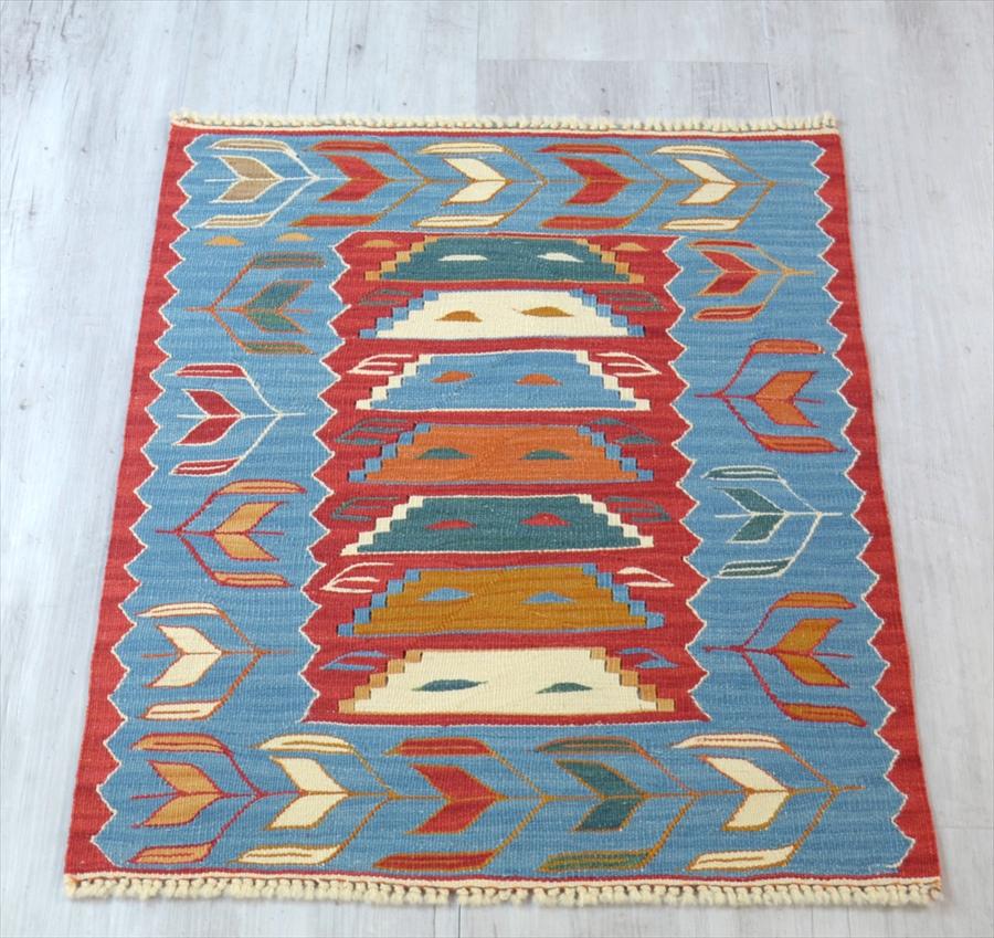 草木染・スーパーファインキリム 最高級の細かな手織りトルコキリム68×52cmヤストゥク・跳び箱のような台形ミフラープ
