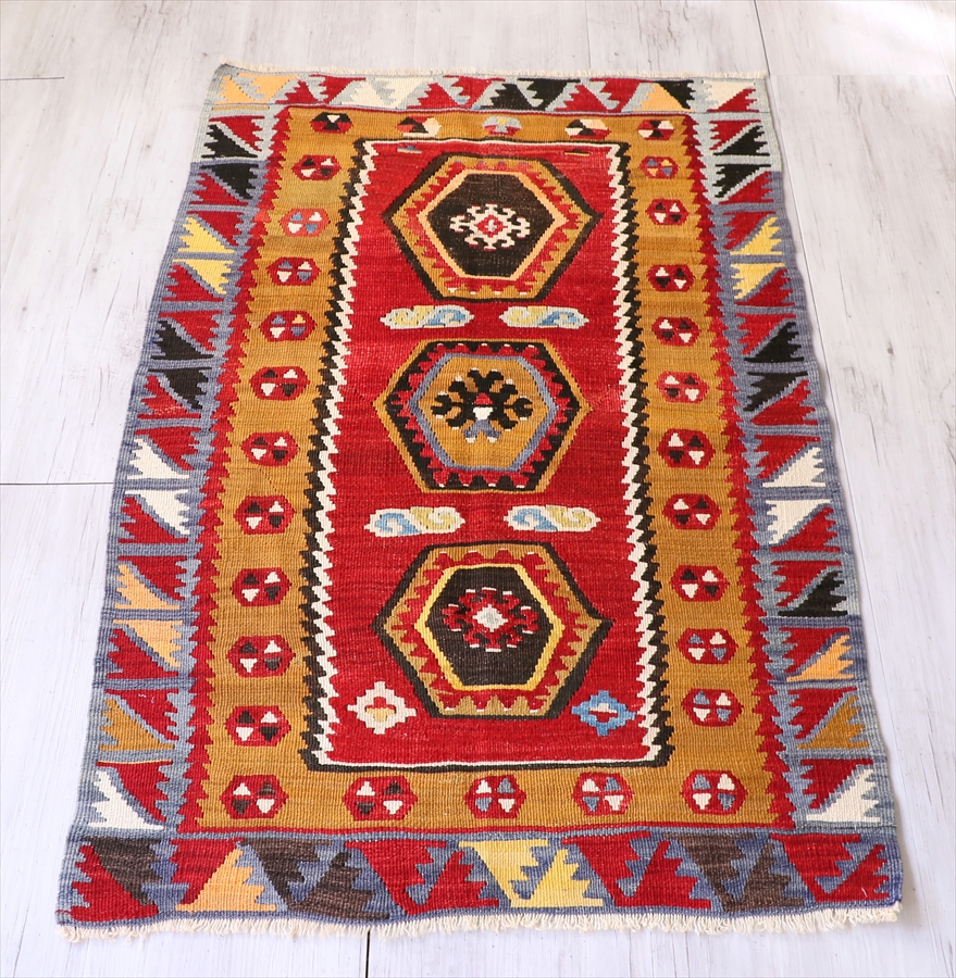 オールドキリム・トルコ シワス/シャルキュスラ112×73cmチェイレキサイズ 3つの六角形