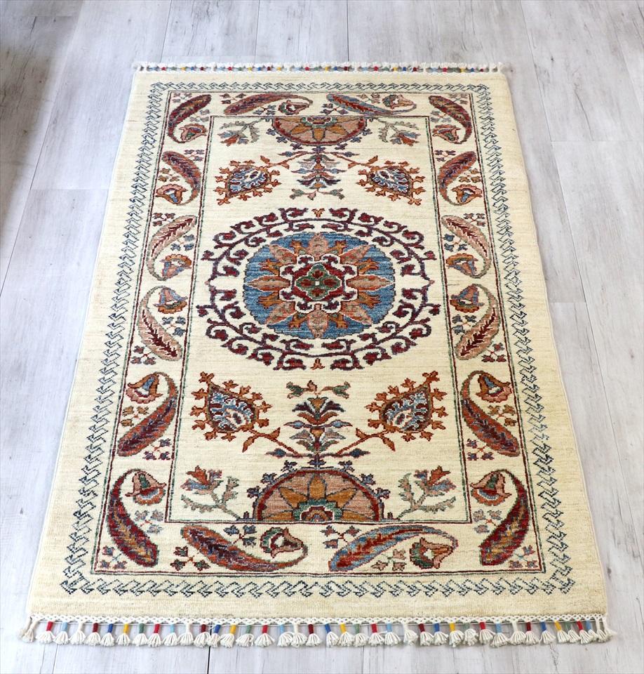 トルコ絨毯・スザンニのアンティークデザイン145×89cmウール100%手織り/工芸品カーペット