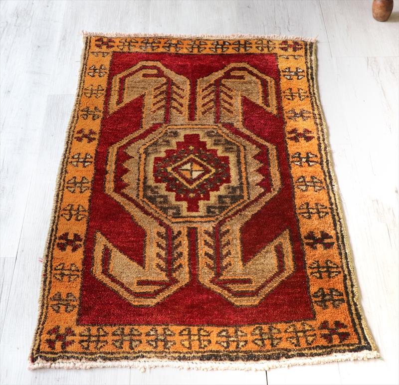 オールドカーペット トルコ絨毯/ヤストゥク100×57cm変形のドラゴンモチーフ
