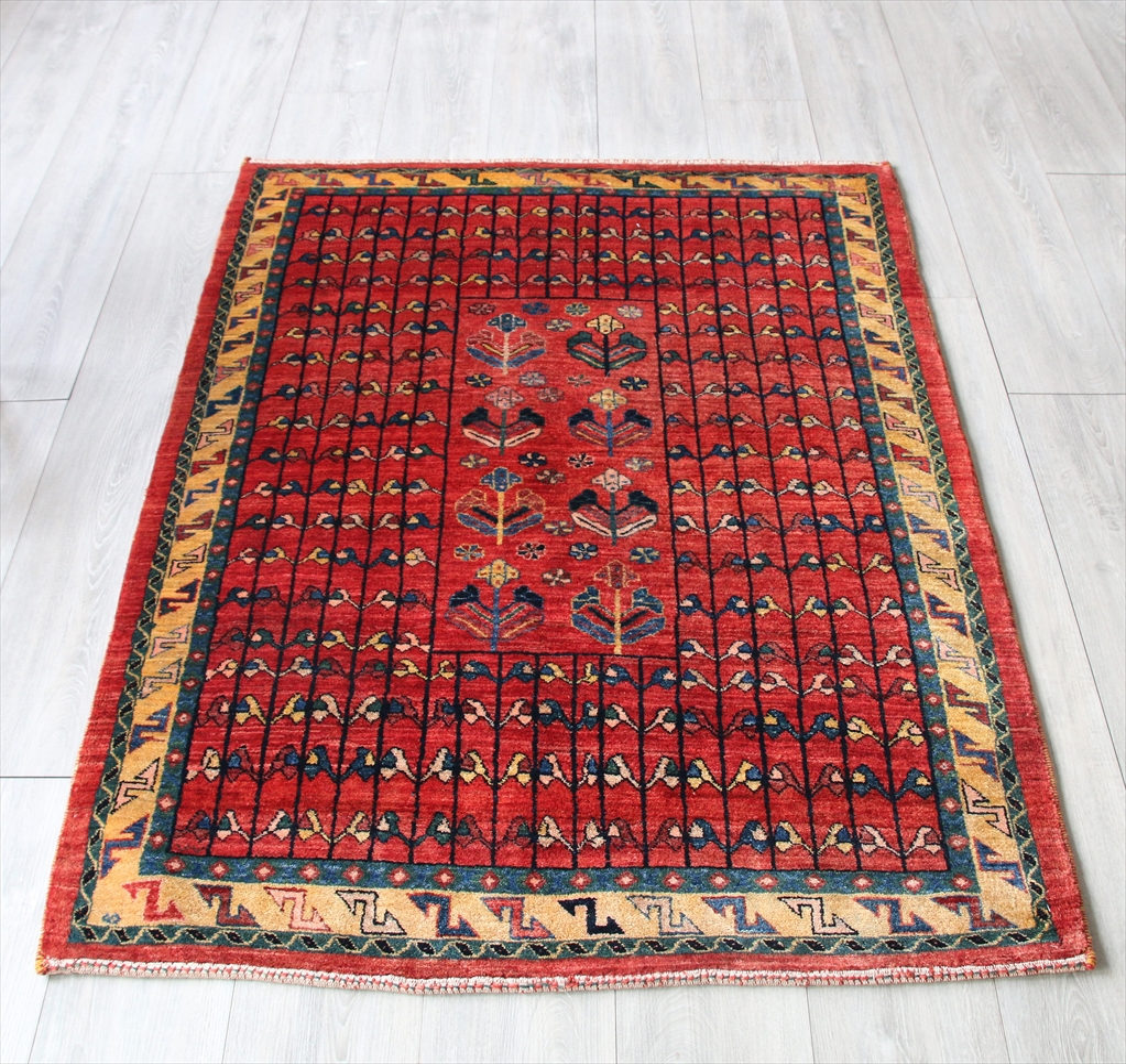 ルリバフ・ギャッベ/カシュカイ族の手織りラグ・アクセントラグ147x107cm クラシックなバクティアリ族の伝統柄/レッド