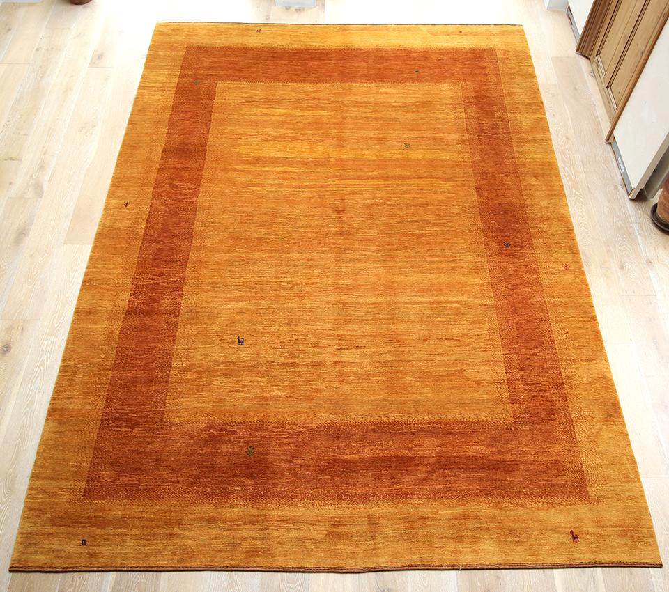 ギャッベ/ギャベ・カシュカイ族の手織りラグ・Banafsheh/バナフシェ・大型ルームサイズ348x255cm イエローオレンジのツートーン・動物と生命の樹