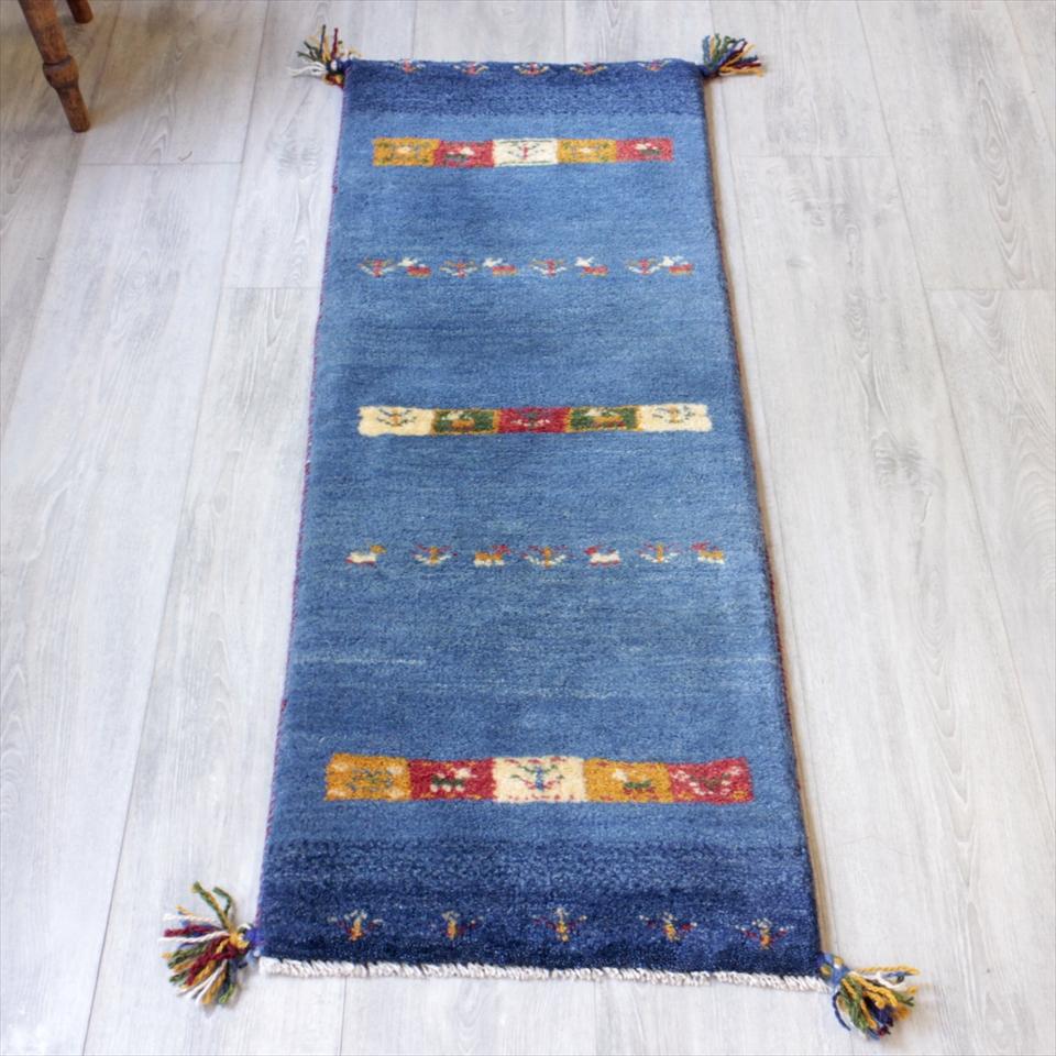 ギャベ ギャッベ カシュカイ族の手織りラグ・細長ランナーサイズ122x43cm ブルー・カラフルタイル・動物と植物モチーフ