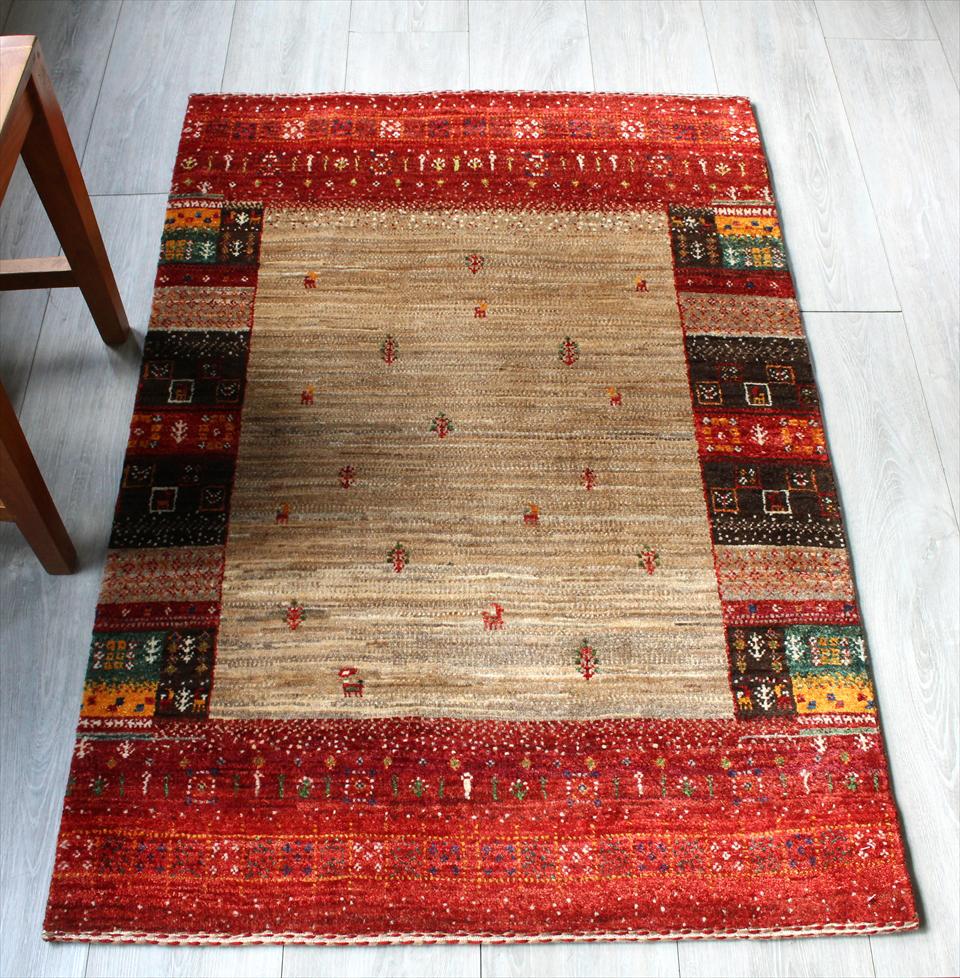 ギャッベ 玄関 美しい織りのリズバフ・アクセントラグサイズ122x82cm ナチュラルブラウン/レッド・カラフルタイル・動物と植物モチーフ