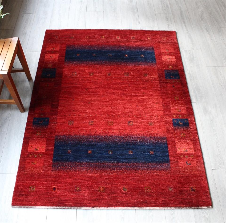 ギャッベ ギャベ カシュカイ族の手織りラグ最上級の織り・ロリアタシュ・センターラグサイズ176x129cm レッド ネイビー・スクエアデザイン・動物と植物モチーフ