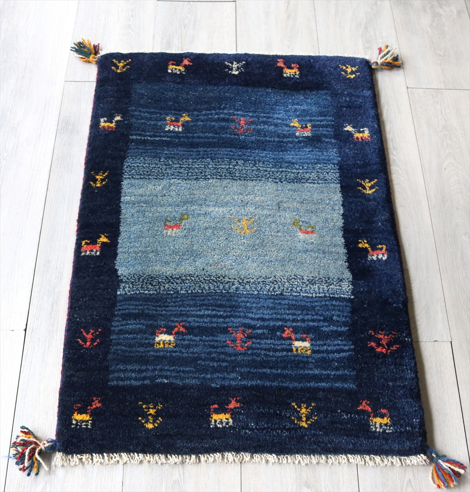 品質のいい ラグ・ギャッベ(ギャベ)カシュカイ族の手織りラグ・玄関マットサイズ86x61cm ブルー/ブルー・動物と植物モチーフ, キープイット:51549f33 --- konecti.dominiotemporario.com