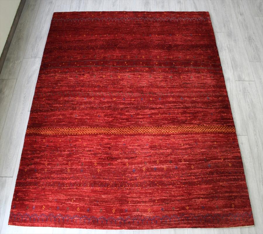 ギャッベ Gabbeh イラン南部カシュカイ族の手織りラグ/Shuli リビングサイズ226x172cm シンプルなレッド・小さなモチーフ