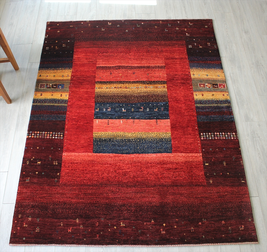 ギャッベ・リビングサイズ Gabbeh Riz Tajik美しい織りのリズバフ197x150cm ワインレッドにイエロー&ネイビーのストライプ