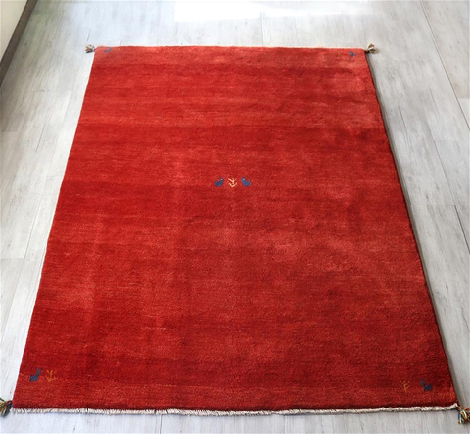 ギャッベ Gabbeh 手織りラグ リビングサイズ233x171cmレッド・動物と植物のモチーフ