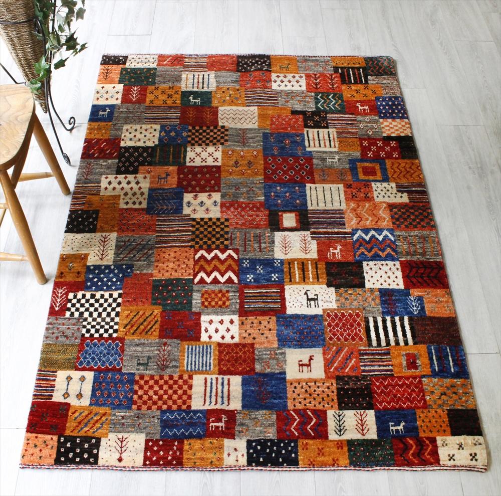 ギャッベ・美しい織りのリズバフ・センターラグサイズ174x118cm 不規則なカラフルタイル モチーフや幾何学模様