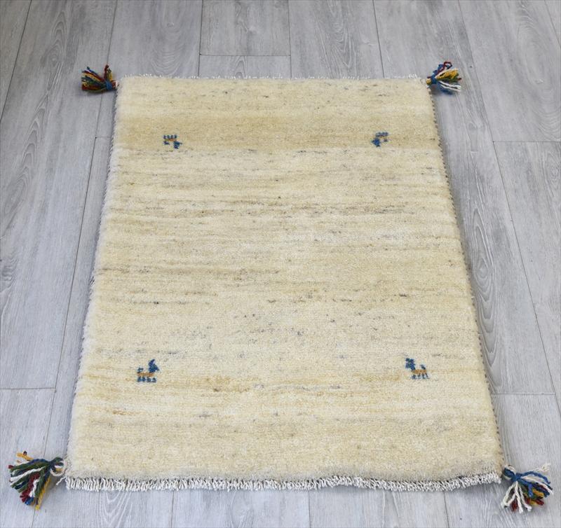 ギャッベ(ギャベ)カシュカイ族の手織りラグ・Gabbeh・玄関サイズ92x60cm アイボリー 動物モチーフ